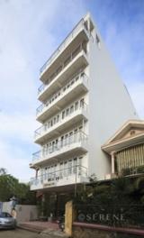 Khách sạn Serene Palace