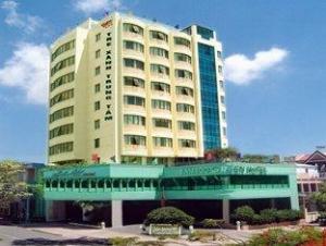 Khách sạn Bamboo Green Cental Đà Nẵng
